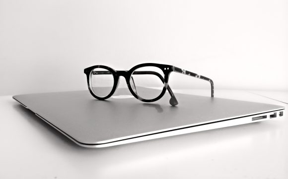 what are the parts of computer glasses